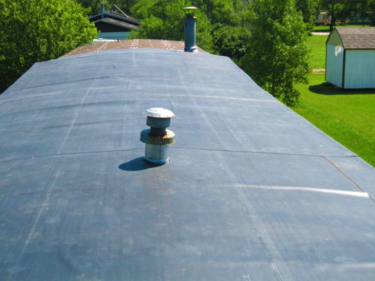 Rubber Roofing for Mobile Homes – Understanding Different Roof Options